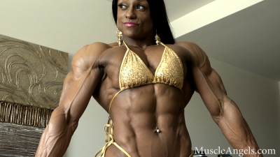 Andrea Shaw Muscular perfection