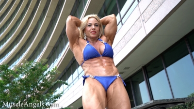 Dana Shemesh blonde beautiful muscle