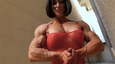 Christine Envall This is Female Muscle!