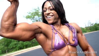 Andrea Shaw  the best arms in female bodybuilding