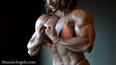 Theresa Ivancik super pecs and arms