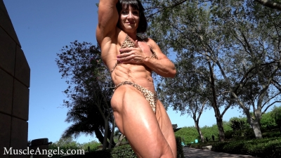 Oksana Piari hard and veiny