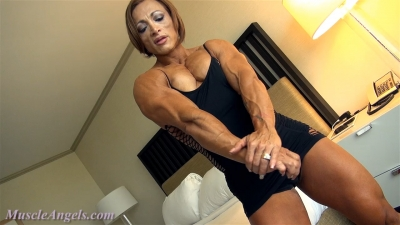 Alicia Alfaro muscles and curves