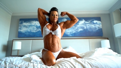 Alina Popa muscle control