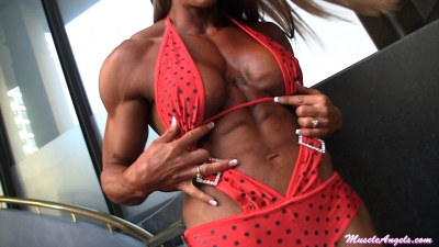 Amber DeFrancesco: Physique Perfection