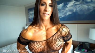 Angela Salvagno pecs and veins