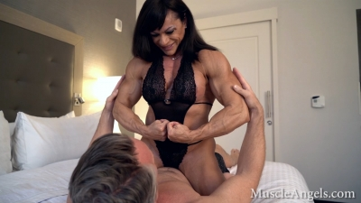 Claudia Partenza muscle worship