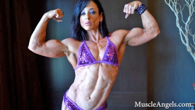 Jodi Miller ~ Stylishly Flexed